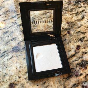 Bobbi Brown Shimmer Wash Eyeshadow in Snow - 1